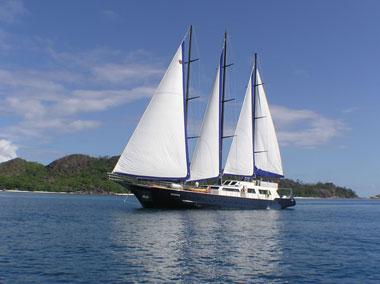 Segelschiff, Weiße Segel, Sailing boat, Seychellen Segeln